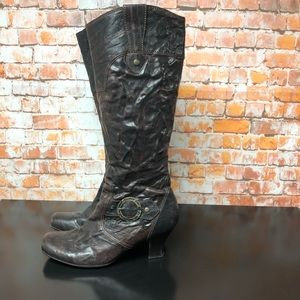 GABOR Boots size 7.5 Crinkle Brown Leather Heel